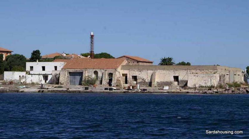 Edifici sul mare a Carloforte