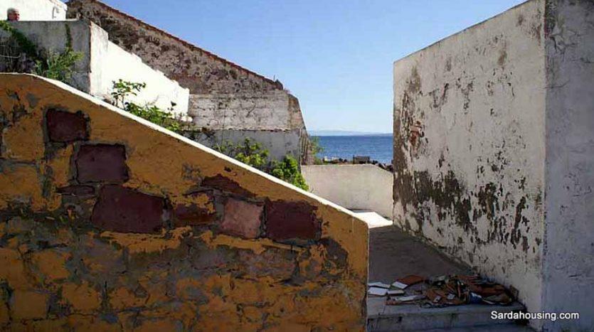 Edifici sul mare a Carloforte, scale