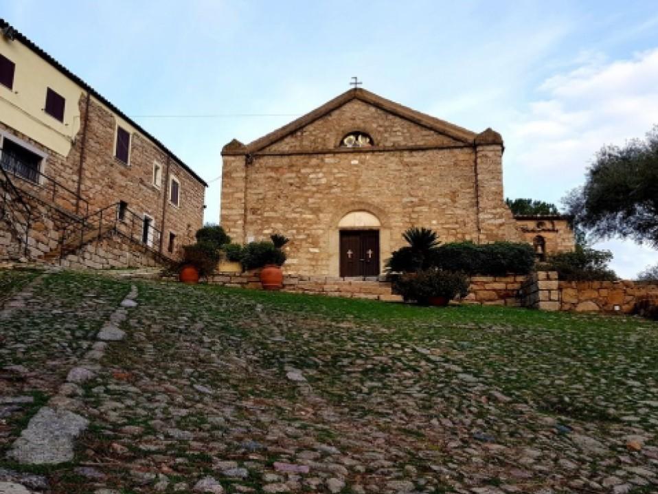 chiesa di monti