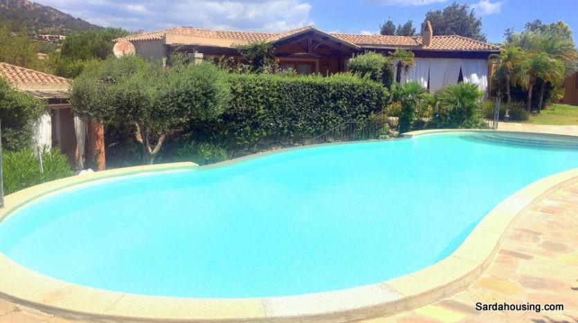 Casa elegante e raffinata con piscina a chia
